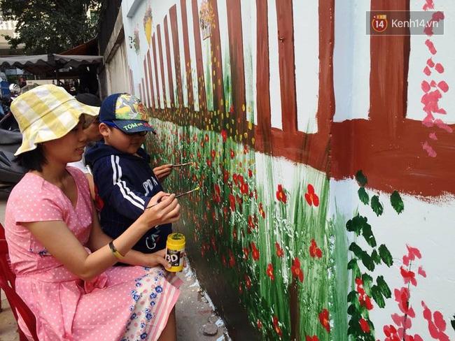 Gặp người đứng sau những bức tranh sắc màu trong ngõ hẻm Sài Gòn: nữ giáo viên dạy vẽ cho trẻ tự kỷ - Ảnh 11.