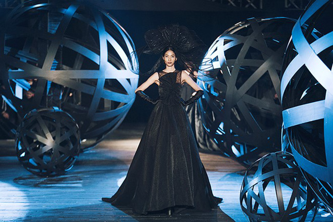 Cần gì đi đâu xa khi mở mắt ra là thấy 7 sân khấu thời trang đẹp như thế này ngay tại Việt Nam! - Ảnh 24.