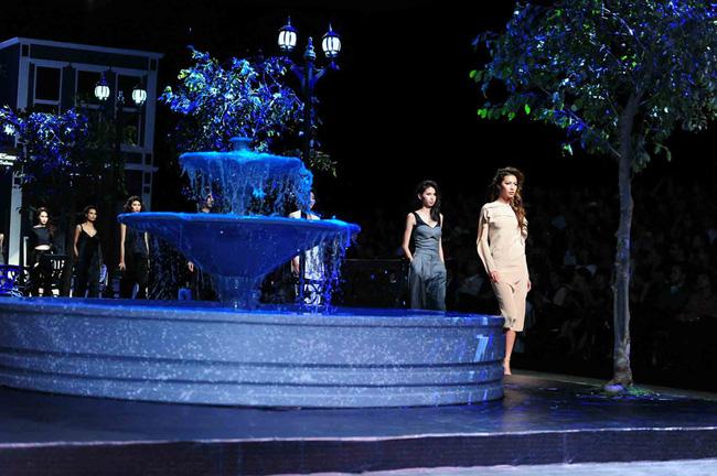 Cần gì đi đâu xa khi mở mắt ra là thấy 7 sân khấu thời trang đẹp như thế này ngay tại Việt Nam! - Ảnh 9.