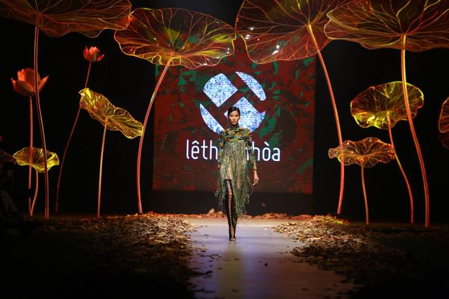 Cần gì đi đâu xa khi mở mắt ra là thấy 7 sân khấu thời trang đẹp như thế này ngay tại Việt Nam! - Ảnh 13.