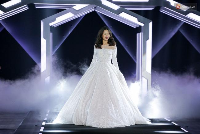 Cần gì đi đâu xa khi mở mắt ra là thấy 7 sân khấu thời trang đẹp như thế này ngay tại Việt Nam! - Ảnh 8.