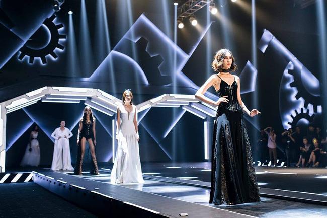 Cần gì đi đâu xa khi mở mắt ra là thấy 7 sân khấu thời trang đẹp như thế này ngay tại Việt Nam! - Ảnh 5.