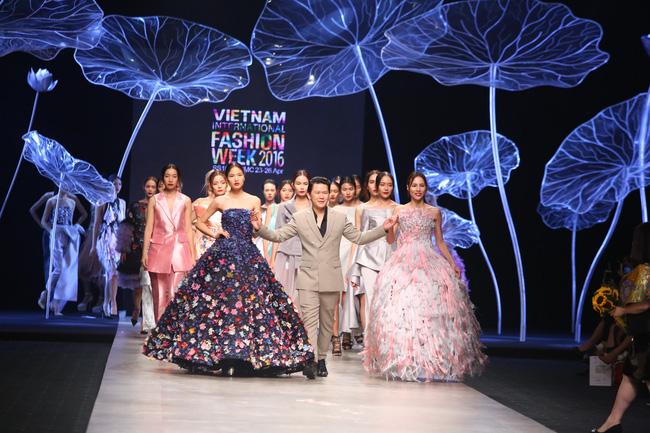 Cần gì đi đâu xa khi mở mắt ra là thấy 7 sân khấu thời trang đẹp như thế này ngay tại Việt Nam! - Ảnh 16.