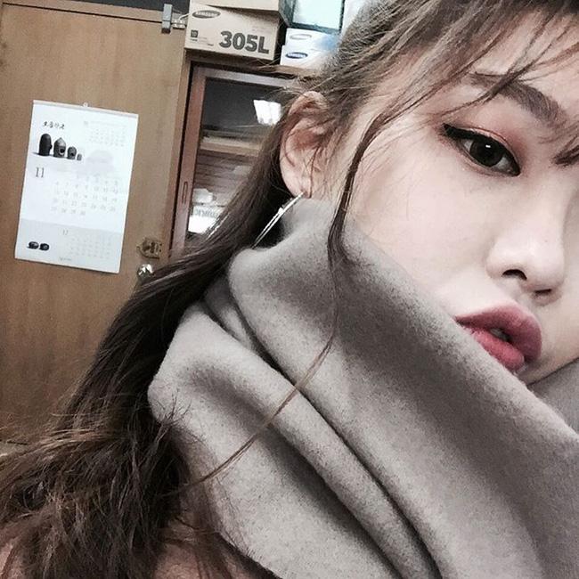 """Đắt xắt ra miếng nhưng 5 cây son """"hịn"""" này vẫn được con gái Việt mua ầm ầm trong năm 2016"""