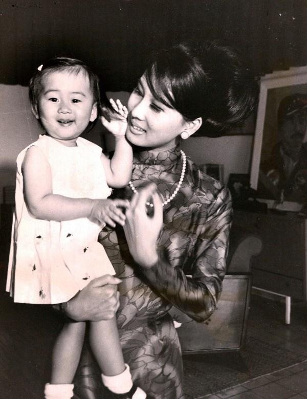 Chuyện về mẹ của MC Kỳ Duyên, cô em đất Bắc trở thành bóng hồng huyền thoại của đất Sài Gòn năm xưa - Ảnh 6.
