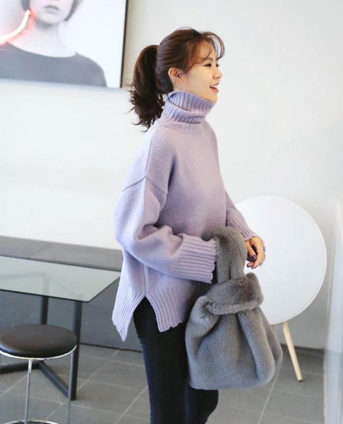 4 tips mặc áo len cổ lọ thật phong cách trong ngày trở lạnh - Ảnh 4.