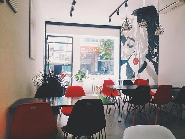 Đừng lo nếu 3 ngày nghỉ lễ chưa biết đi đâu, Hà Nội còn nhiều quán cafe đẹp lắm - Ảnh 1.