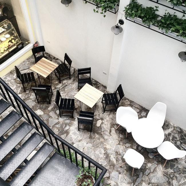 Đừng lo nếu 3 ngày nghỉ lễ chưa biết đi đâu, Hà Nội còn nhiều quán cafe đẹp lắm - Ảnh 3.