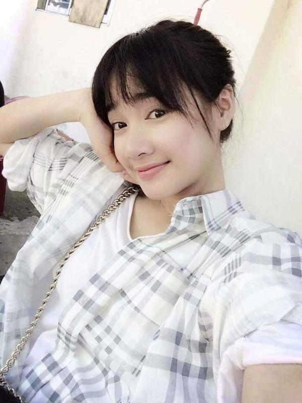 Tóc mái lưa thưa của sao Việt