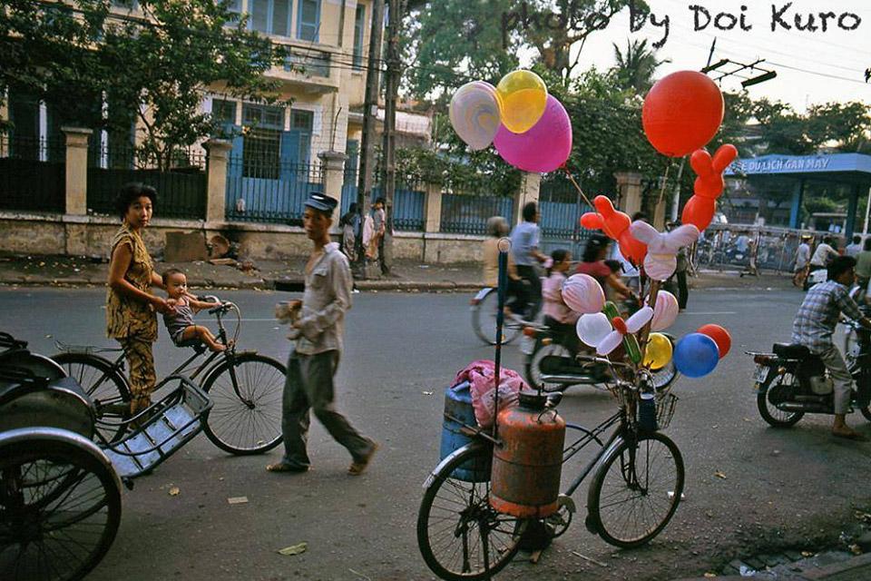 Sài Gòn thập niên 90 bình dị trong loạt ảnh của nhiếp ảnh gia Nhật