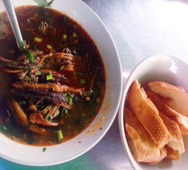 """8 món ăn ngon dân dã nếm một lần """"đố quên được"""" ở Nghệ An"""