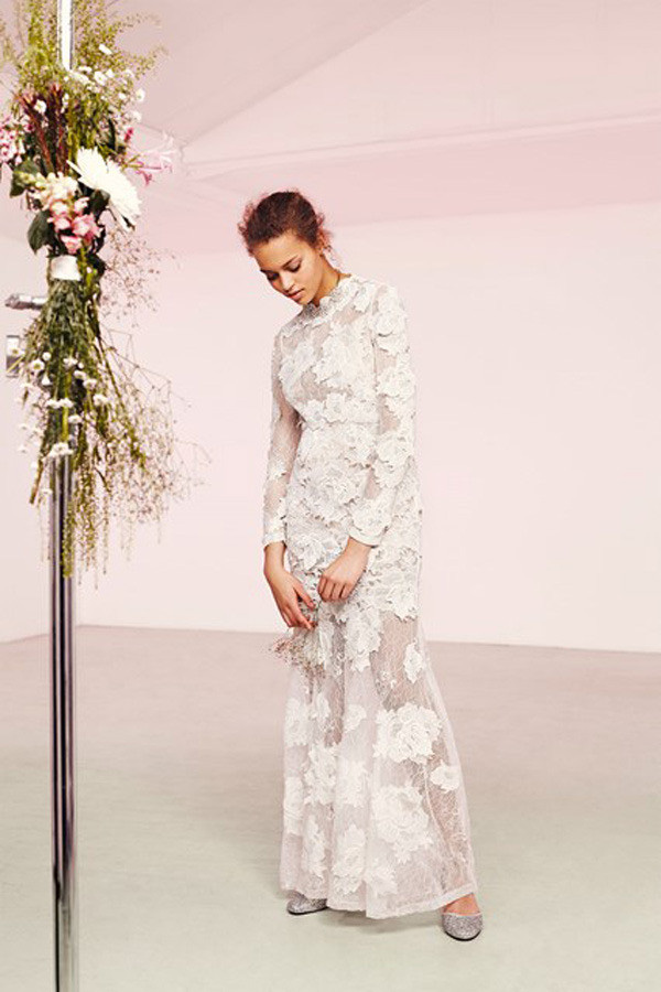 """Khi các thương hiệu bình dân cũng dấn thân vào """"đế chế"""" váy cưới"""