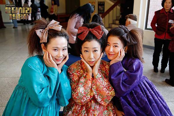 Không cần đợi ngày 8/3, hãy ôm Mẹ cùng xem 7 bộ phim Hàn tuyệt hay này! - Ảnh 1.