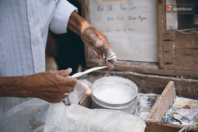 Ông già kẹo chỉ và dư vị của món ăn tuổi thơ ngỡ đã biến mất ở Sài Gòn - Ảnh 5.