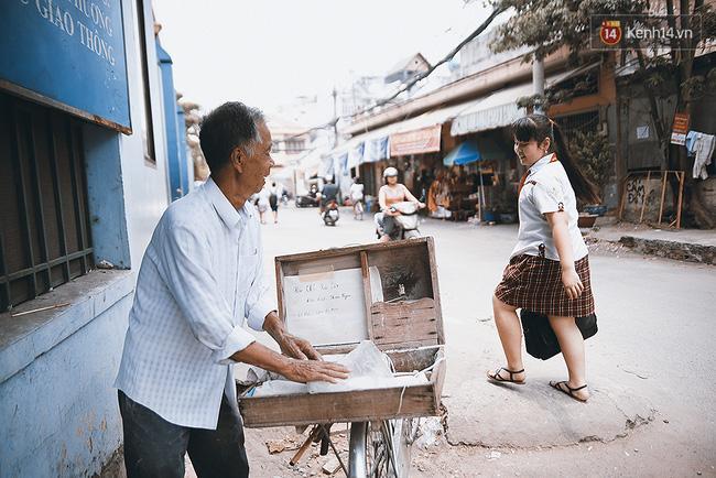 Ông già kẹo chỉ và dư vị của món ăn tuổi thơ ngỡ đã biến mất ở Sài Gòn - Ảnh 7.