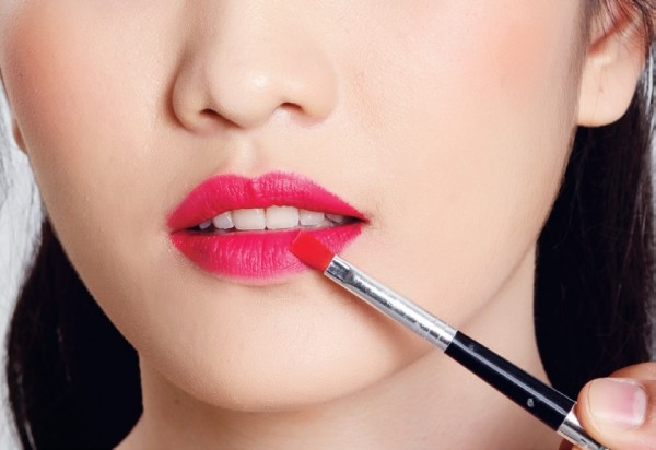 Khi dùng son môi bạn phải nhớ 4 điều này
