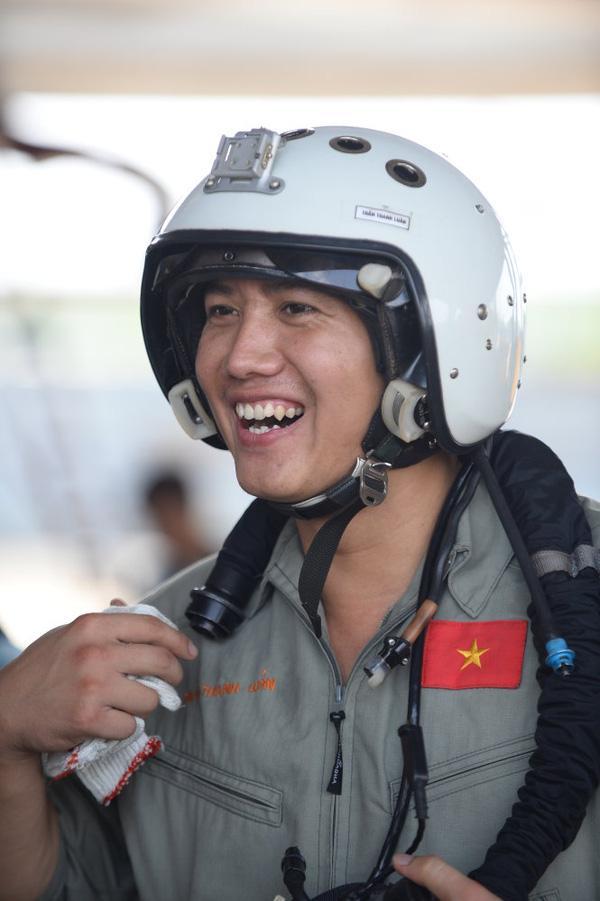 """""""Tôi là phi công chiến đấu cơ Su-30 MK2"""" - Ảnh 1."""