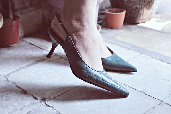 giày second hand thiếu nữ bông bụp