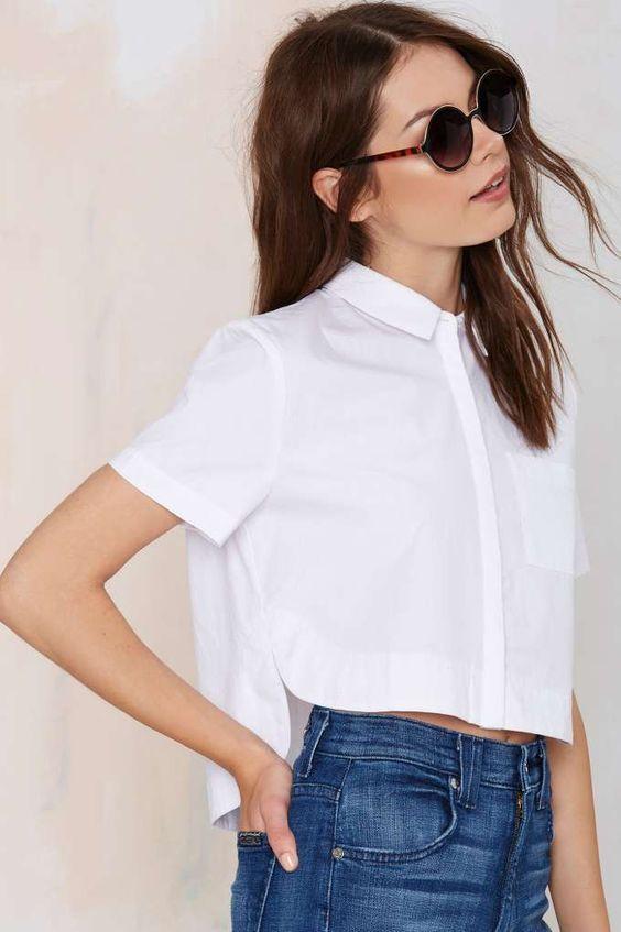 5 kiểu áo crop-top chưa bao giờ thôi quyến rũ phái đẹp mỗi khi hè tới