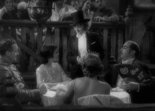 Cùng nhìn lại 120 năm lịch sử của những nụ hôn trên màn ảnh - Ảnh 8.