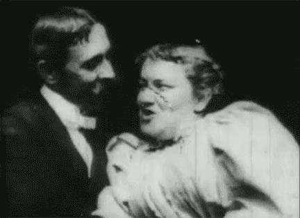 Cùng nhìn lại 120 năm lịch sử của những nụ hôn trên màn ảnh - Ảnh 2.