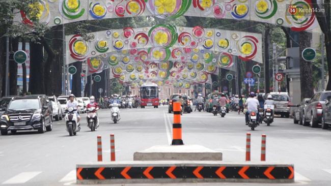 Sài Gòn đã thay đổi cách trang trí đường phố dịp Tết như thế nào trong 5 năm qua? - Ảnh 17.