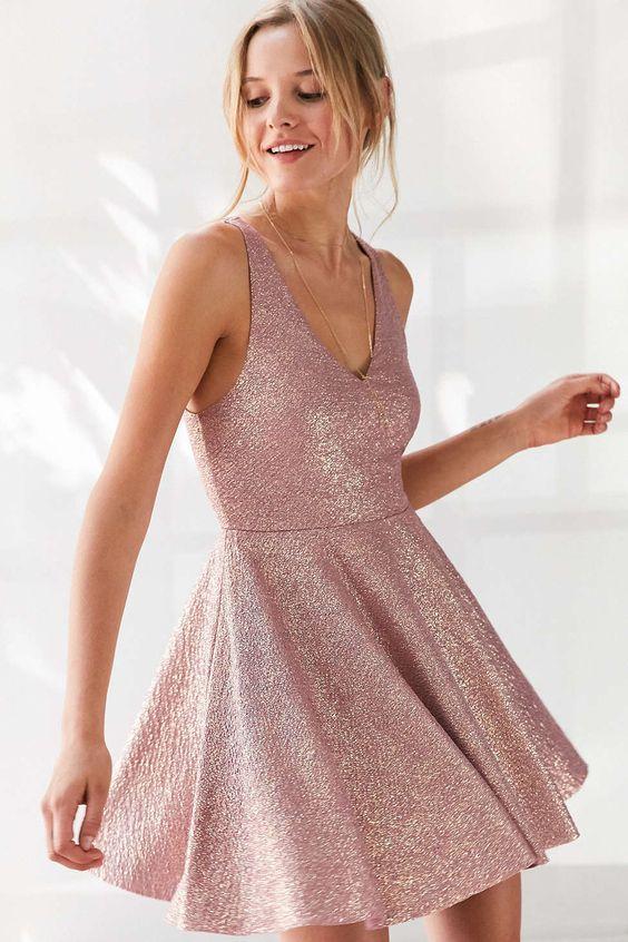 4 mẫu váy liền say lòng người ngắm giúp nàng tỏa sáng tại những buổi tiệc đầu năm mới - Ảnh 26.