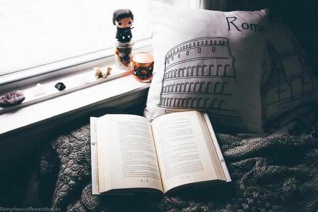 Yêu lại người yêu cũ thì sao? Quyển sách đọc đi đọc lại vẫn hay thì cứ đọc thôi!