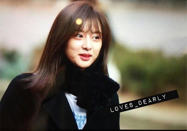 Người ta cứ mải gán ghép Song - Song mà quên mất Kim Ji Won lại đẹp đến mức này!