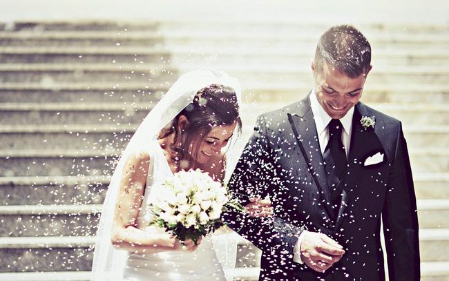 Bài viết gây tranh cãi: Việc kết hôn là sáng tạo ngu ngốc nhất của nhân loại - Ảnh 1.