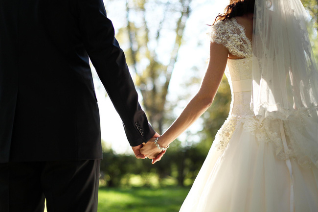 Bài viết gây tranh cãi: Việc kết hôn là sáng tạo ngu ngốc nhất của nhân loại