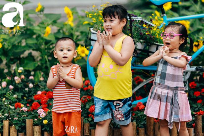 Trẻ em đón Tết khắp phố phường, công viên, và cả ga tàu... - Ảnh 6.