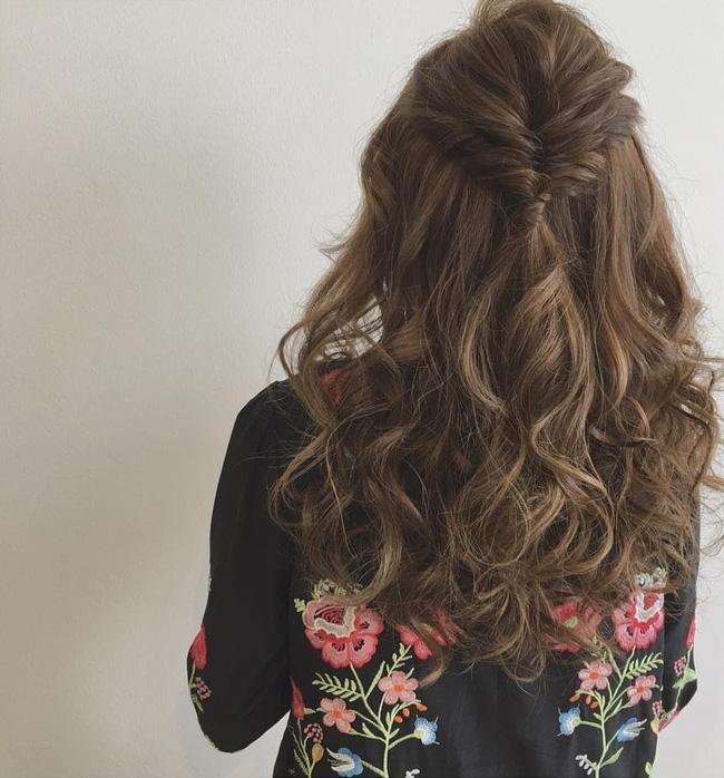 5b58a85713e1f3c2b25a888aa05fb82bf94a5e87 10 kiểu tóc cực xinh lung linh bạn có thể diện từ sáng tới tối mà vẫn đẹp