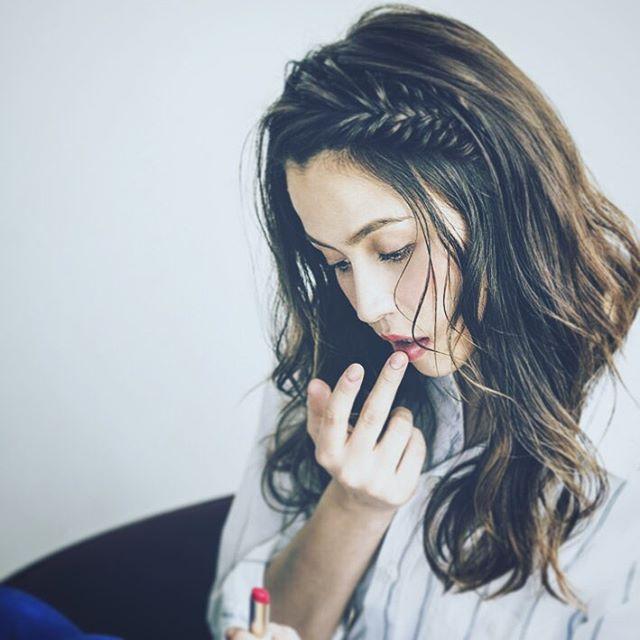 c3629f72e4eb7eb463eacc568f34c050532d6424 10 kiểu tóc cực xinh lung linh bạn có thể diện từ sáng tới tối mà vẫn đẹp