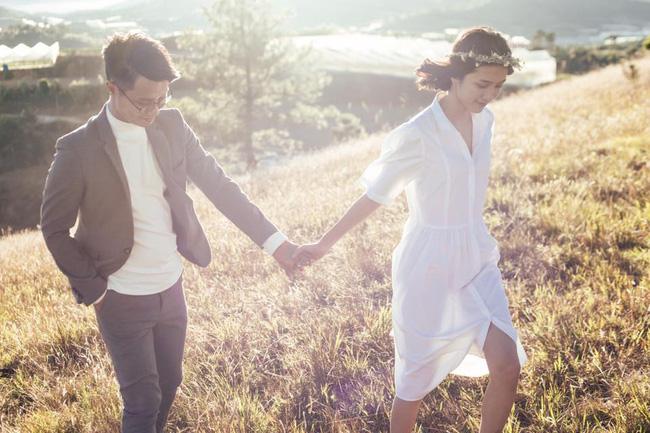 Chỉ cần yêu nhau thật nhiều thì ảnh cưới chụp ở... vườn rau cũng khiến người ta xuýt xoa - Ảnh 32.