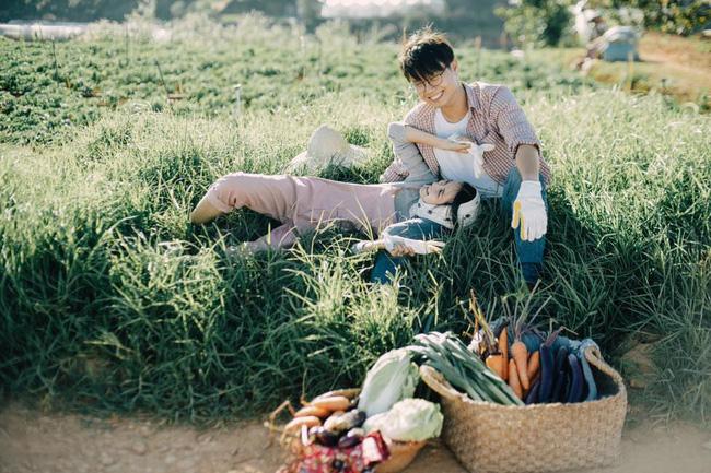 Chỉ cần yêu nhau thật nhiều thì ảnh cưới chụp ở... vườn rau cũng khiến người ta xuýt xoa - Ảnh 14.