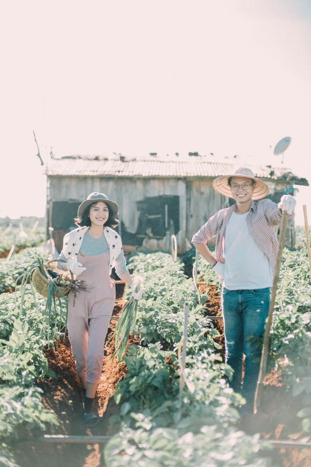 Chỉ cần yêu nhau thật nhiều thì ảnh cưới chụp ở... vườn rau cũng khiến người ta xuýt xoa - Ảnh 29.
