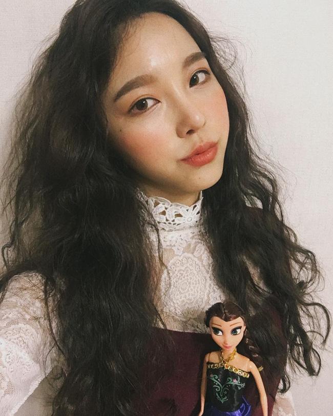 Chán tóc xoăn nhẹ nhàng, con gái Hàn rủ nhau làm tóc xoăn xù mì hoài cổ giống Sulli - Ảnh 13.