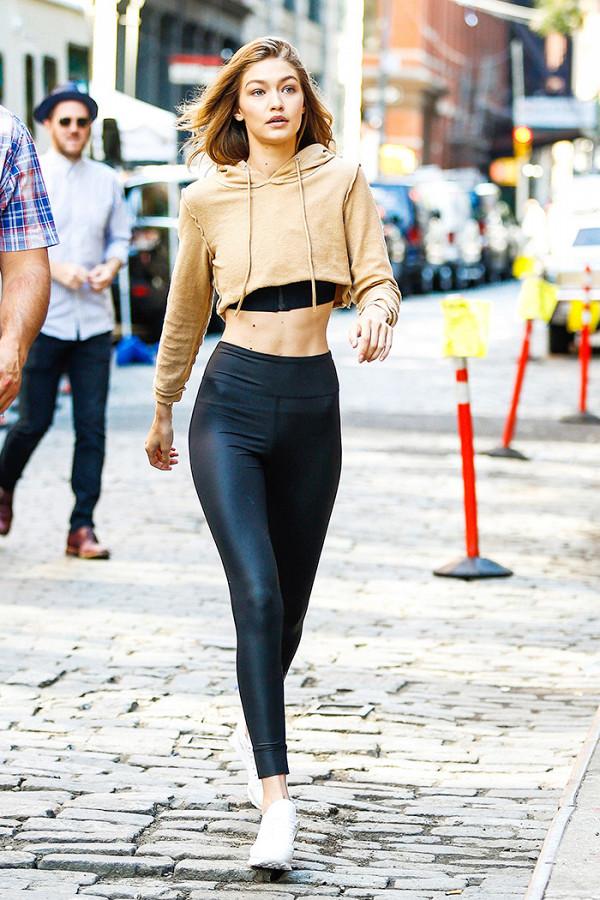 """Năm 2017 rồi, nếu có diện legging thì phải diện như thế này mới """"chất"""""""
