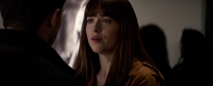 """Thỏi son của nàng Anastasia trong """"50 Shades Darker"""" được hàng triệu cô gái khao khát"""
