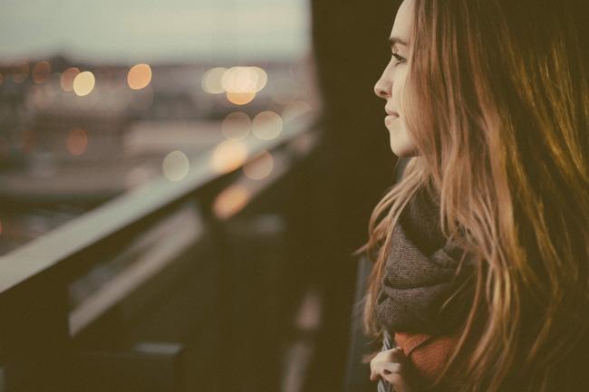 Trai khôn là phải yêu gái ít nói - Ảnh 1.