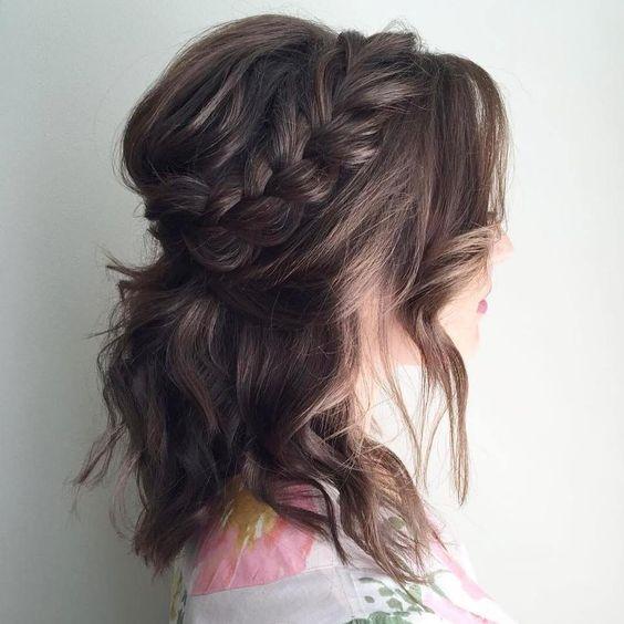Chỉ cần biết làm kiểu tóc đơn giản này, đi đâu nàng cũng nổi bật