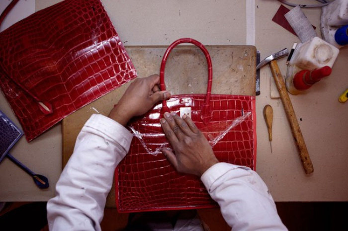 Chiếc túi Hermès Birkin tiền tỉ được làm ra kỳ công như thế nào?