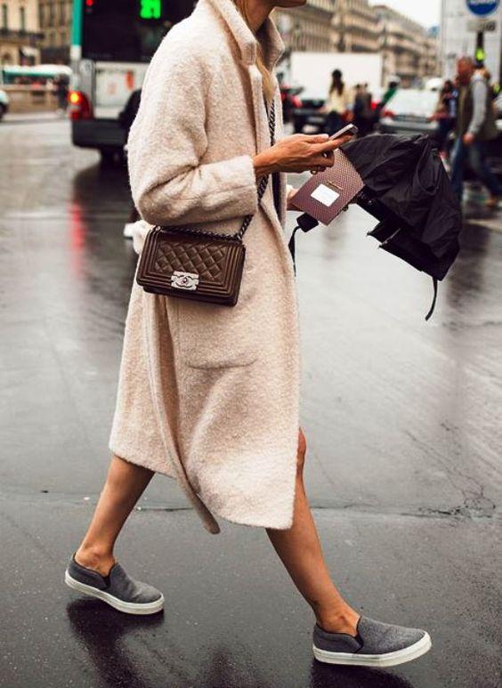 Những ngày trời mưa ẩm ướt, khó khăn nhất có lẽ là việc chọn giày! - Ảnh 13.