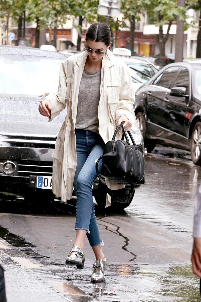 Những ngày trời mưa ẩm ướt, khó khăn nhất có lẽ là việc chọn giày! - Ảnh 8.