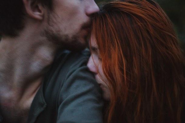 Chúng ta có là gì của nhau đâu mà chia tay...