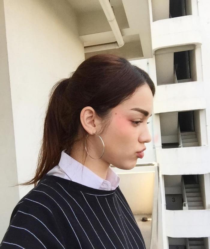 Cứ chê tóc ngôi giữa quê nhưng hot girl Thái, Trung cô nào cô nấy để tóc này đều xinh hết nấc - Ảnh 7.