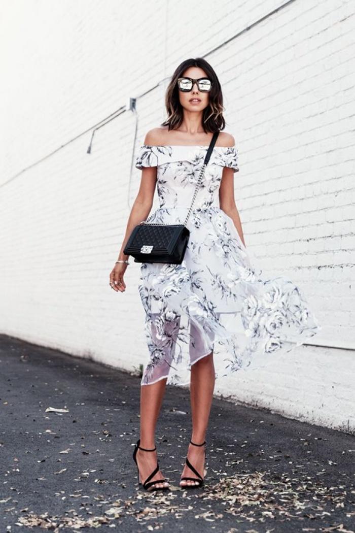Khơi gợi nét quyến rũ tiềm ẩn bằng 5 món đồ thời trang cứ mặc lên là tôn dáng