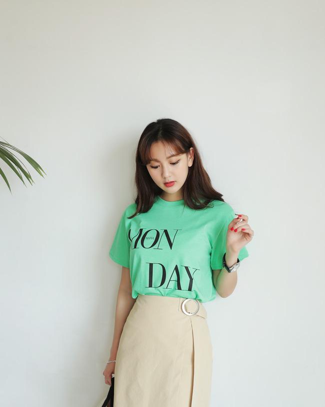 Chỉ cần 7 mẫu áo phông sau là đủ để các nàng chưng diện cho những ngày trời nắng đẹp