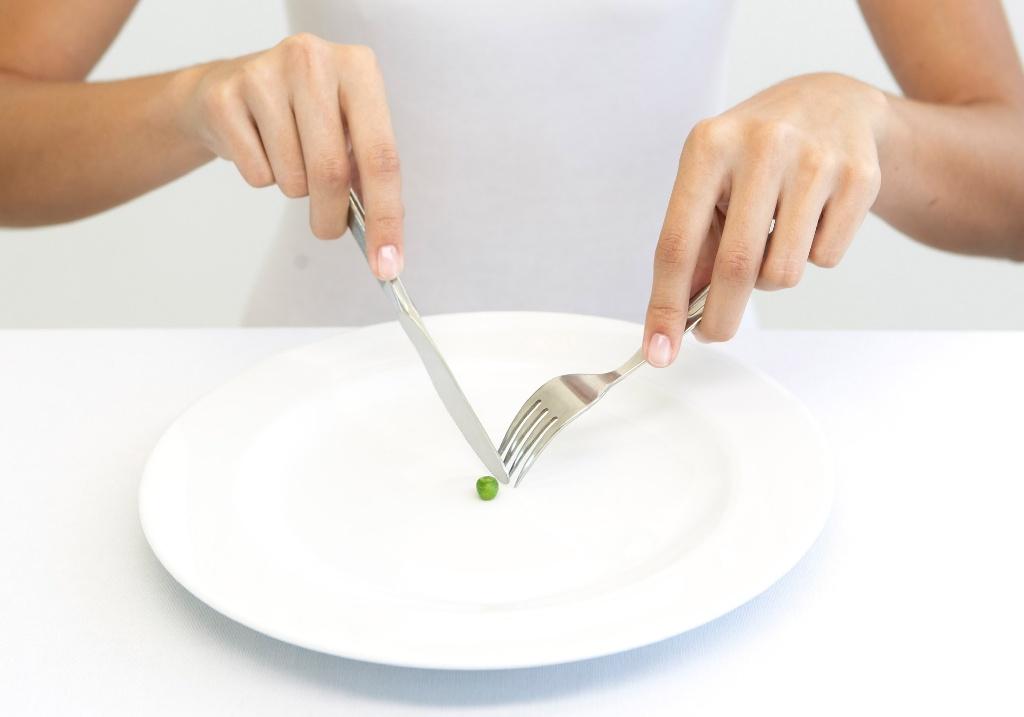 """Những cách giảm cân nên tránh xa nếu không muốn """"rước họa"""" vào thân!"""